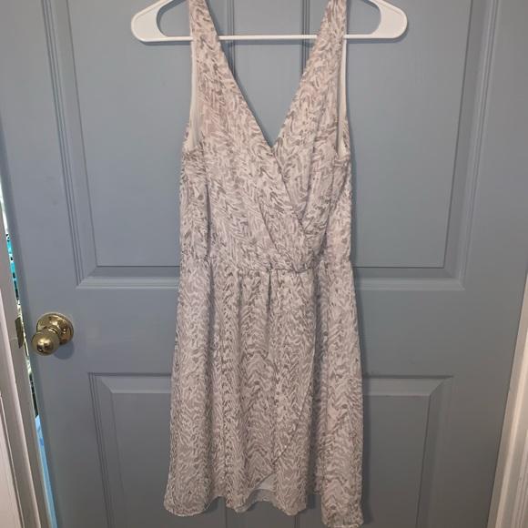 H&M Dresses & Skirts - H&M V-Neck Dress